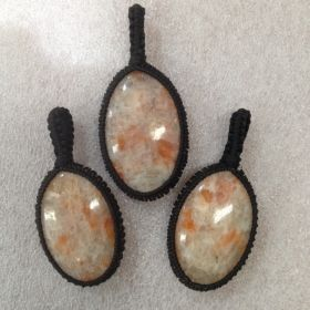 Macrame Pendant - Sunstone - 1pc